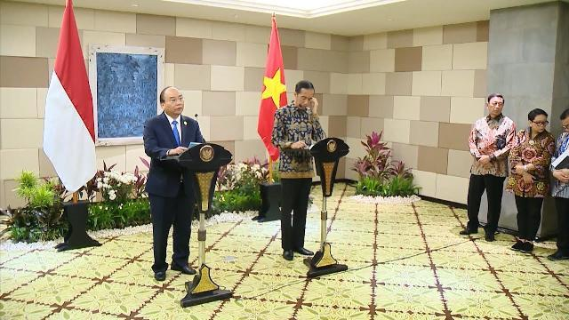 Thủ tướng Nguyễn Xuân Phúc hội đàm với Tổng thống Indonesia | THND