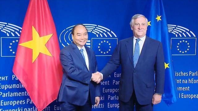Thủ tướng Nguyễn Xuân Phúc hội kiến với Chủ tịch Nghị viện châu Âu
