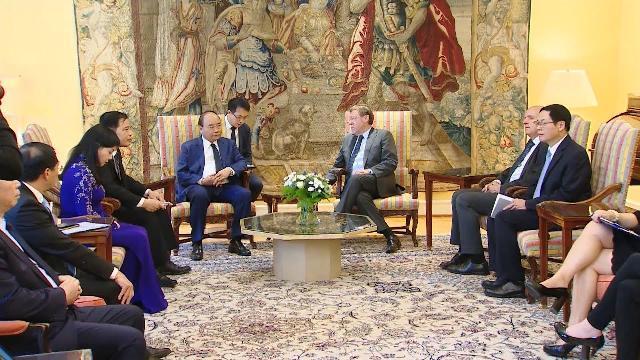 Thủ tướng Nguyễn Xuân Phúc gặp Chủ tịch Hạ viện Bỉ