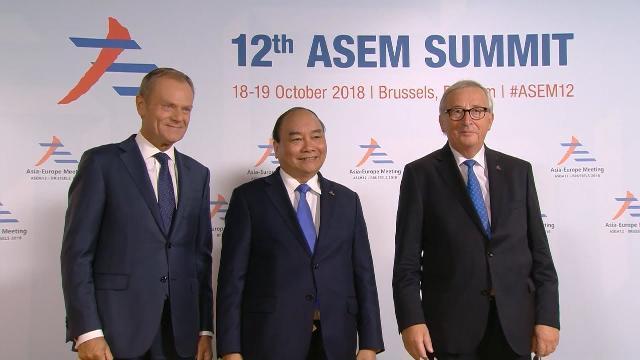 Thủ tướng Nguyễn Xuân Phúc dự Phiên họp toàn thể ASEM 12