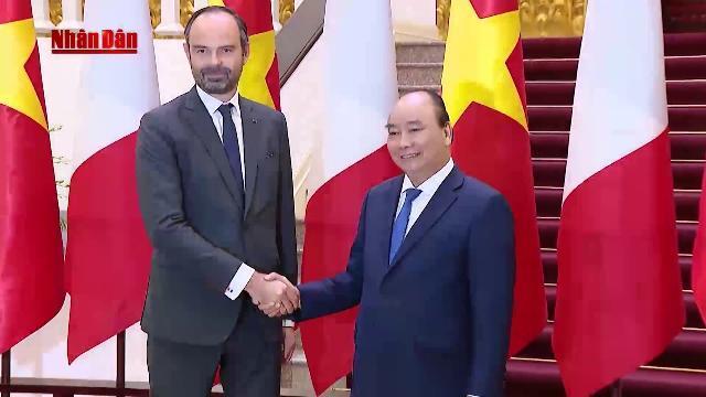 Thủ tướng Nguyễn Xuân Phúc chủ trì Lễ đón Thủ tướng CH Pháp Édouard Philippe thăm chính thức VN