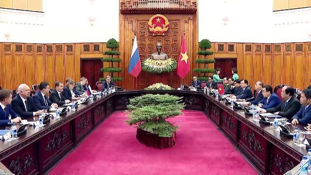 Thủ tướng Nguyễn Xuân Phúc chủ trì Lễ đón và hội đàm với Thủ tướng Nga Dmitry Anatolyevich Medvedev