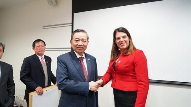 Việt Nam - Anh tăng cường hợp tác phòng, chống mua bán người