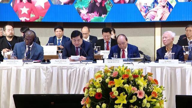 Thủ tướng dự diễn đàn thường niên về cải cách và phát triển