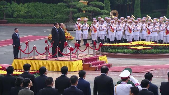 Thủ tướng đón và hội đàm với Thủ tướng Vương Quốc Campuchia