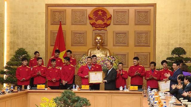 Thủ tướng gặp mặt, biểu dương, khen thưởng đội tuyển bóng đá nam quốc gia quốc gia Việt Nam