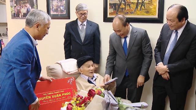 Thủ tướng chúc Tết các nhà khoa học, nhân sĩ trí thức