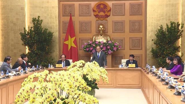 Thủ tướng tiếp đoàn Việt kiều về dự Xuân Quê hương