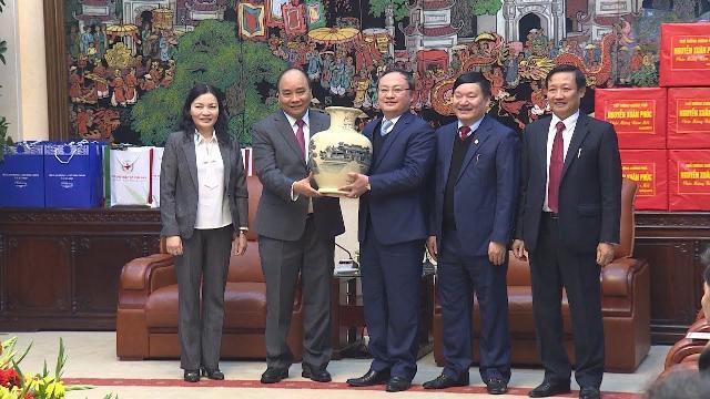 Thủ tướng thăm, chúc Tết Đảng bộ, chính quyền, nhân dân tỉnh Hưng Yên