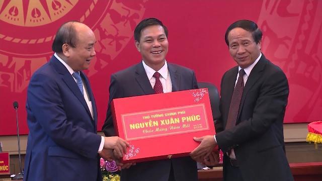 Thủ tướng thăm, chúc Tết Đảng bộ chính quyền và nhân dân Hải Phòng