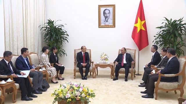 Thủ tướng tiếp HLV trưởng Đội tuyển bóng đá nam Việt Nam