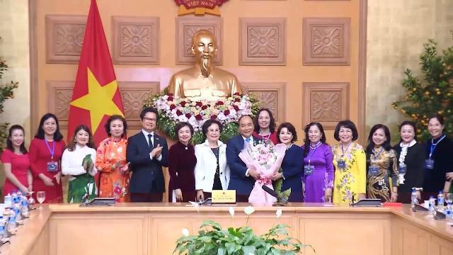 Thủ tướng tiếp đoàn nữ doanh nhân tiêu biểu