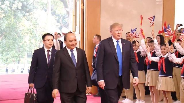 Thủ tướng Nguyễn Xuân Phúc hội kiến với Tổng thống Hoa Kỳ Donald Trump