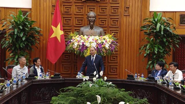 Thủ tướng tiếp Đoàn đại biểu người có công với cách mạng quận Hải Châu, TP Đà Nẵng