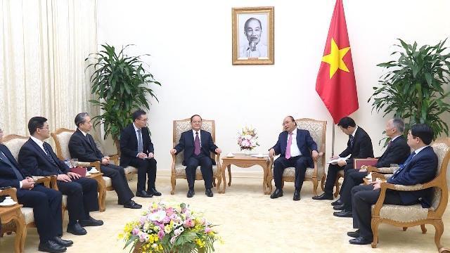Thủ tướng tiếp đồng chí Bí thư Đảng ủy Khu tự trị dân tộc Choang Quảng Tây (Trung Quốc)
