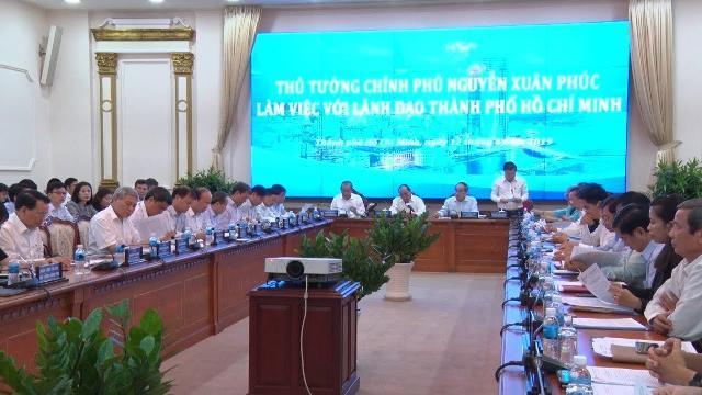 Thủ tướng Chính phủ Nguyễn Xuân Phúc làm việc với TP Hồ Chí Minh