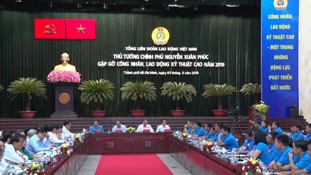 Thủ tướng Nguyễn Xuân Phúc gặp gỡ công nhân kỹ thuật cao năm 2019