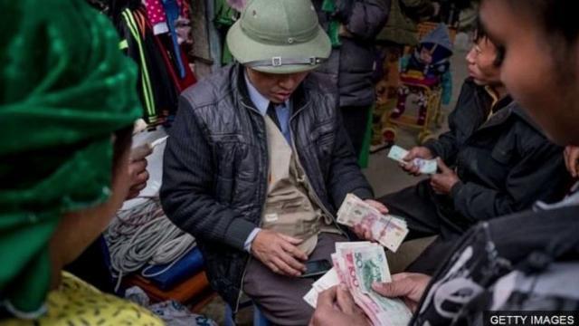 TS. Lê Đăng Doanh: 'Tôi đề nghị xét lại việc cho lưu hành tiền Trung Quốc ở Việt Nam'