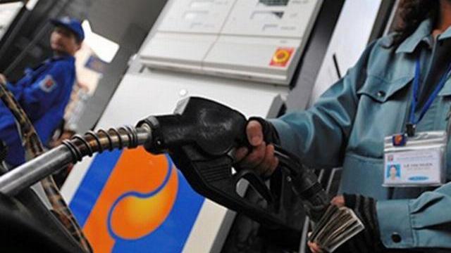 Tăng kịch khung thuế môi trường vì xăng ở Việt Nam rẻ hơn 120 quốc gia khác