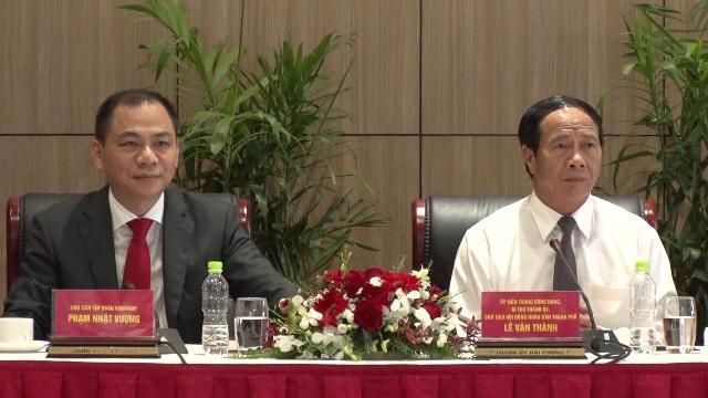 Chủ tịch Quốc hội Nguyễn Thị Kim Ngân thăm nhà máy ô tô Vinfast