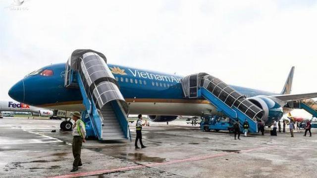 Trải nghiệm trên máy bay lớn nhất Việt Nam có gì khác biệt -.mp4