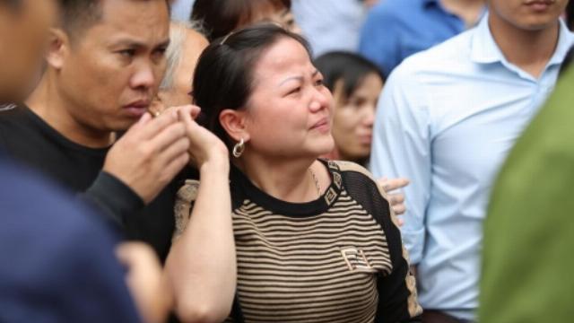 Người thân khóc nức nở, vì sao Khá bảnh không khóc sau khi bị tuyên án?