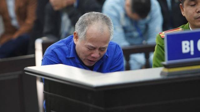 Thảm án Đan Phượng: Bị cáo Nguyễn Văn Đông khóc tại tòa án