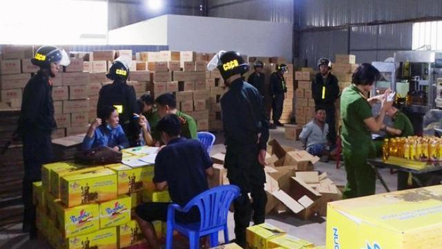 Bắt cơ sở nghi làm giả nước tăng lực Number One tại Đồng Nai