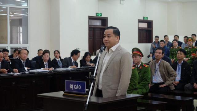 """VIDEO: Bị cáo Phan Văn Anh Vũ nói """"trời phú cho tôi năng khiếu kinh doanh bất động sản"""""""