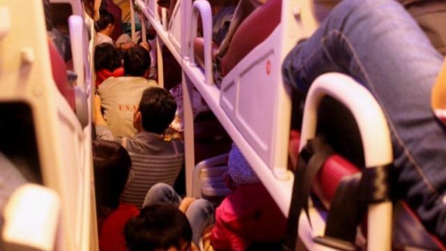 Xe khách 40 chỗ nhồi nhét 82 người