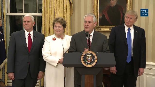 Ông Rex Tillerson tuyên thệ trở thành Ngoại Trưởng thứ 69 của Hoa Kỳ