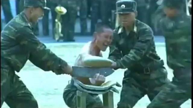 Tròn mắt trước những bài tập khắc nghiệt của đặc nhiệm Triều Tiên