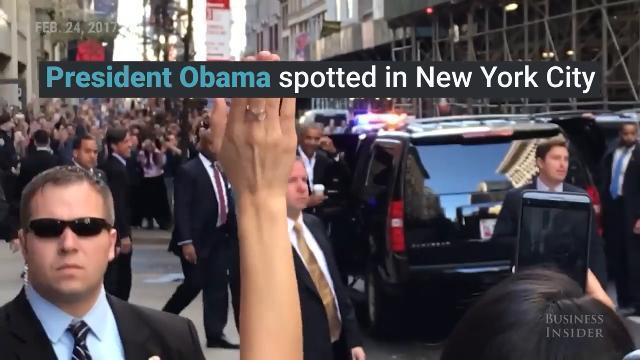 Obama xuất hiện gây náo loạn đường phố New York