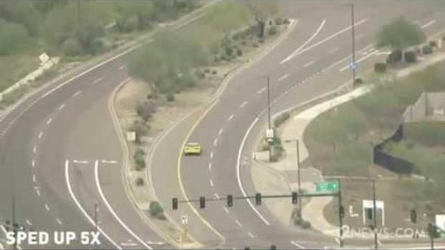Video Màn rượt đuổi đối tượng giết người lái ôtô chạy trốn tốc độ cao như trong phim
