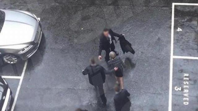 Thủ tướng Anh bối rối khi tháo chạy khỏi quốc hội trong vụ khủng bố