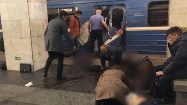 Nổ liên tiếp trên tàu điện ngầm Nga, ít nhất 10 người chết