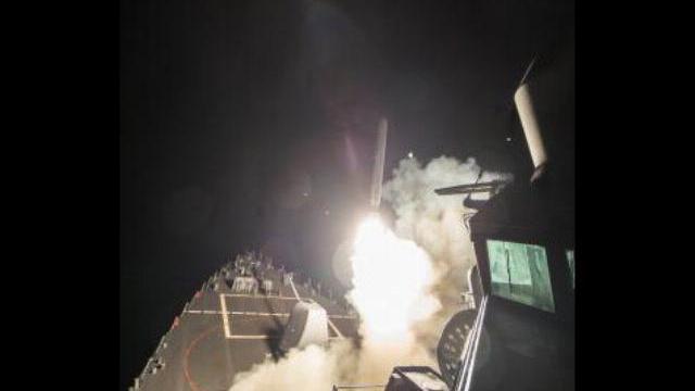 Tàu chiến Mỹ phóng tên lửa vào Syria