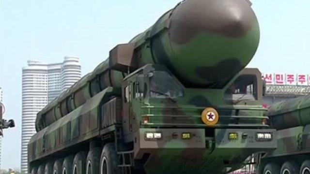 Triều Tiên khoe tên lửa đạn đạo mới trong lễ duyệt binh