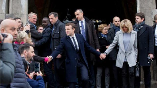 Ông Macron nói về vợ