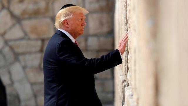 Tổng thống Trump làm nên lịch sử khi thăm Bức tường than khóc
