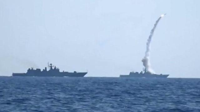 Tàu chiến Nga phóng tên lửa tấn công IS ở Syria