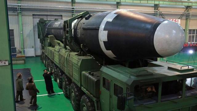 Triều Tiên bung video phóng tên lửa, ông Kim Jong-un rạng rỡ trong mọi khuôn hình