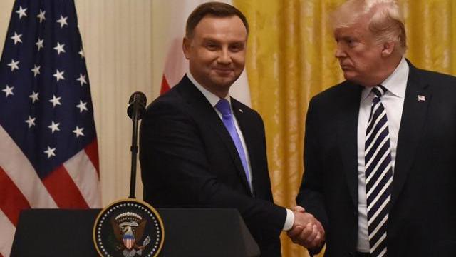 Mỹ kêu gọi NATO tăng cường sức mạnh chống lại Nga
