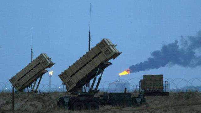 Báo Nga: Trớ trêu thay! S-300 sắp tới Syria, Patriot của Mỹ liền rút khỏi Trung Đông