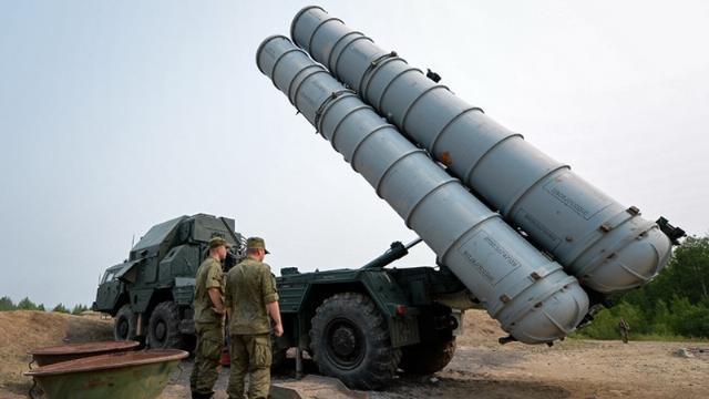 Rồng lửa S-400 uy lực hơn gì so với S-300 mà Syria muốn sở hữu?