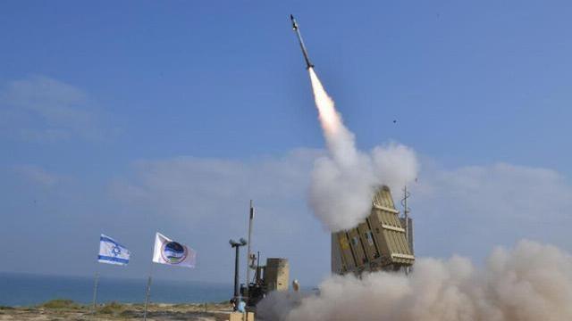 """Israel bị tấn công - Báo động khẩn cấp phòng không, kích hoạt """"Mật mã Đỏ"""""""