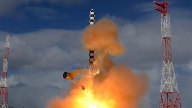 Nga sẽ sản xuất hàng loạt siêu tên lửa Sarmat từ năm 2021