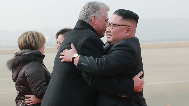 Ông Kim Jong-un đích thân đón Chủ tịch Cuba thăm Triều Tiên