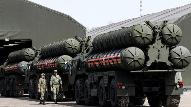 Tên lửa phòng thủ bờ biển Nga rầm rập đổ về Crimea