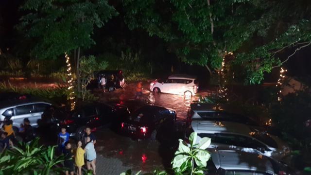 Sóng thần do núi lửa phun ở Indonesia, 43 người thiệt mạng